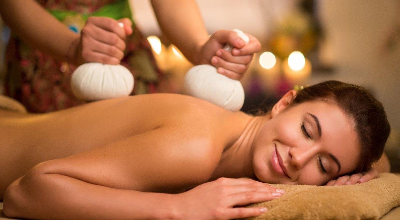 Заказать массаж на дом в москве эро рассказы секс массаж